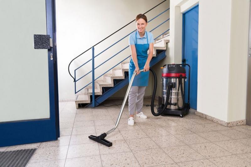 Sprzątanie Pomieszczeń 8